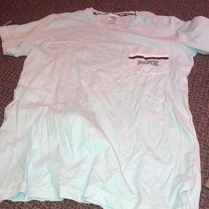 VS pink tee shirt size S